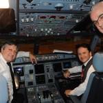 Tarcísio Gargioni com o comandante Raia e o co-piloto Bessie