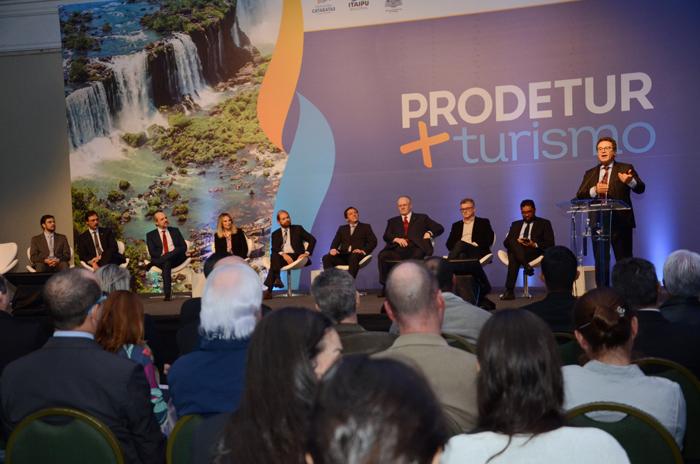 Vinicius Lummertz, ministro do Turismo durante o Prodetur