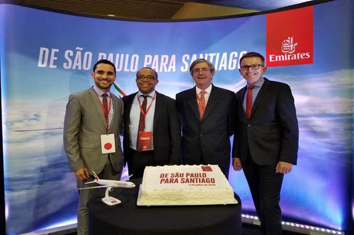 Alisson Andrade, coordenador da Embratur com representantes da Emirates e o embaixador do Chile, Fernando Schmidt