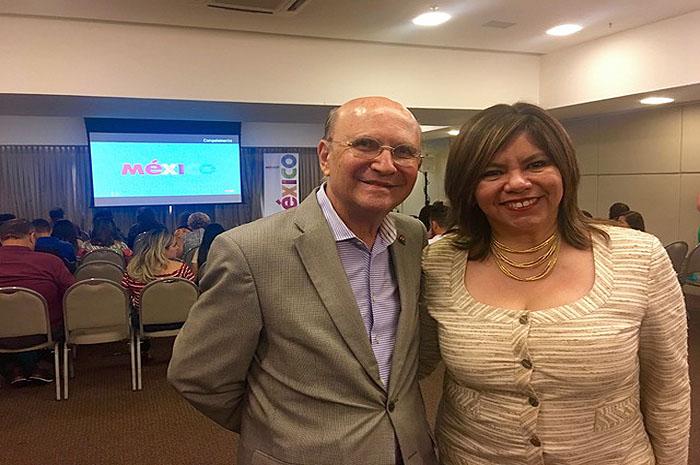 Consul Honorario em Fortaleza Joao Suares Neto e Diana Pomar