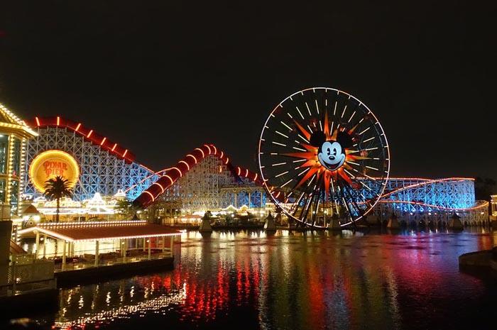 Disney adevnture park