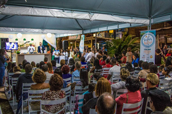 A programação inclui aulas de culinária e feiras de artesanato  Foto: Elton Andrade