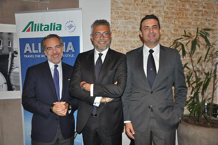 Federico Garimberti, vice-presidente de Comunicação Corporativa, Fabio Maria Lazzerini, diretor Comercial Global, e Carlos Antunes, diretor de Comercial no Brasil da Alitalia