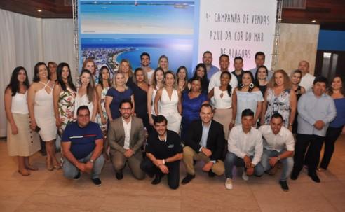 """Azul Viagens premia vencedores da campanha """"Azul da Cor do Mar de Alagoas""""; veja fotos"""