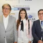 Arialdo Pinho, secretário de Turismo do CE, com sua esposa Diana Rocha, e Manoel Linhares, presidente da ABIH Nacional