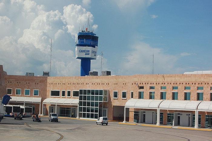 Cancun International Airport (foto Wikimedia Commons Mardetanha)
