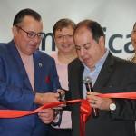 Corte da fita foi feito por Peter Vittori, diretor Comercial para América Latina, e Dilson Verçosa, diretor de Vendas para o Brasil da American Airlines