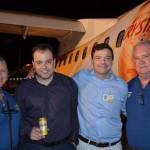 Eduardo Busch e Adriano Pinhas, da Passaredo, entre Rosa Masgrau e Roy Taylor, do M&E