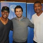 Fernando Gagliardi, do Meliá, com os ex-jogadores Marcos Assunção e Junior Baiano