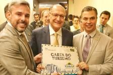 Sob novo comando, Fornatur leva Carta do Turismo aos presidenciáveis