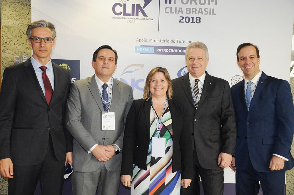 Marco Ferraz, da Clia Brasil, Mário Franco, da Royal Caribbean, Estela Farina, da NCL, Rene Hermann, da Costa, e Adrian Ursilli, da MSC