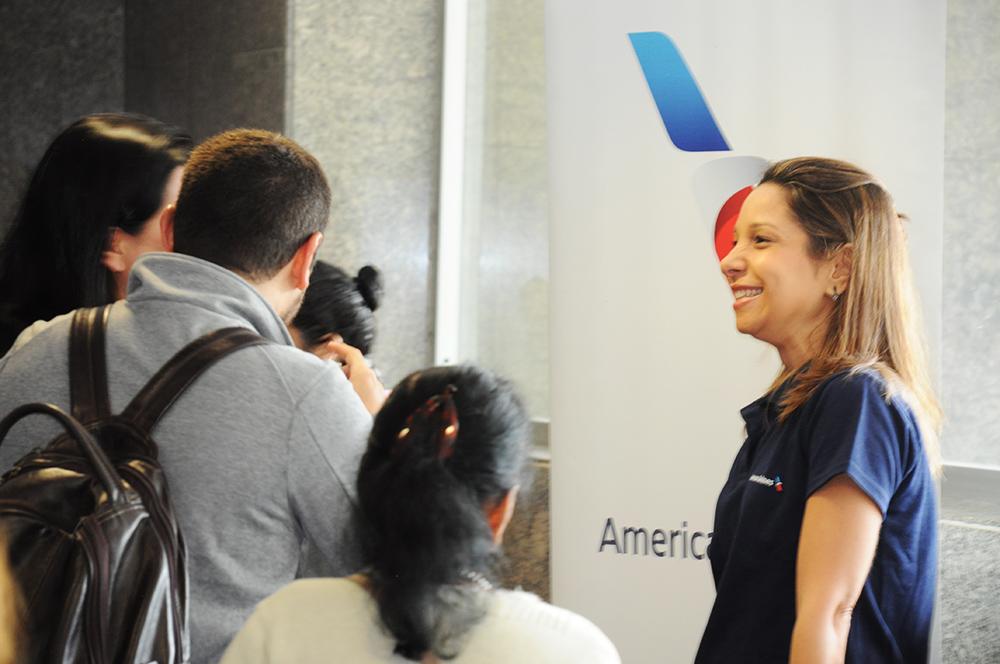 Patricia Lacerda, da American, conversa com os agentes de viagens