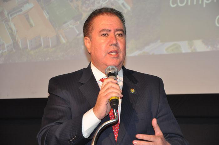 Prefeito de Campinas Jonas Donizete