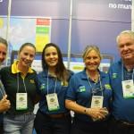 Renata Silveira, da DSE Viagens, com equipe M&E que participa desta Avirrp 2018