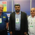 Roy Taylor, do M&E, com Richard Alves, secretário de Turismo de Porto Seguro, e Guto Jones, do Porto Seguro Praia Resort