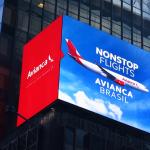 Avianca chegou a investir em publicidade de seus novos voos em painéis eletrônicos da moderna Times Square, em Nova York