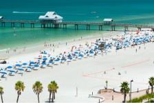 St. Pete/Clearwater fecha praias e restringe funcionamento de bares e restaurantes