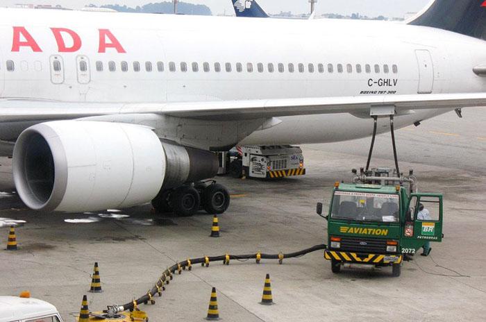 Abastecimento de qav de aviões