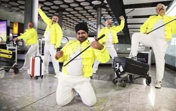 Carregadores de bagagem do Heathrow homenageiam Freddie Mercury; vídeo