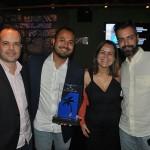 Leandro Sant'Anna e Henrico Carlo, da Cheers Travel, receberam o prêmio de primeiro lugar na categoria Destination Wedding