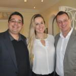 Leandro Sommerfeld, da Marítimos, com Caroline e Fábio Pucceti, da Viagens Total