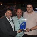 Marcelo Paolillo e Michael Bonilha receberam o prêmio em nome da Flytour MMT Viagens