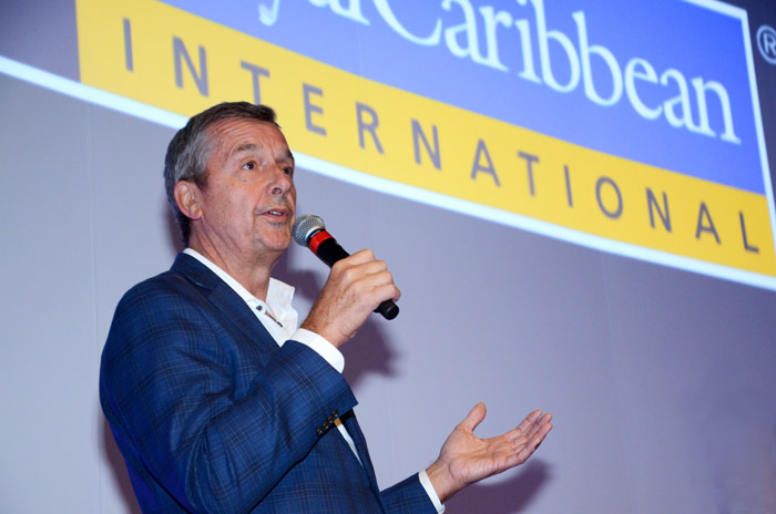Michael Bayley, CEO da Royal Caribbean