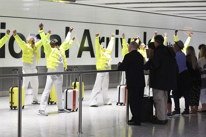 Passageiros do Heathrow pararam para ver homenagem a Freddie Mercury