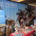 Rafaella Brown, do Visit Florida, passa o dia todo conversando com os buyers do La Cita
