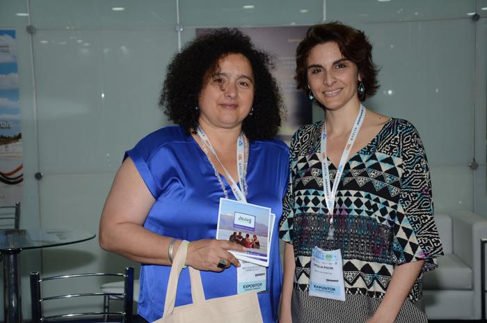 Sandra Nazar, do Ministerio de Cultura e Turismo de Jujuy e Natalia Pisoni, da Inprotur, no estande do M&E