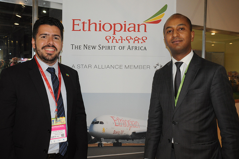 Raphael de Lucca, gerente de Vendas no Brasil, e Girum Abebe, diretor da Ethiopian na América Latina