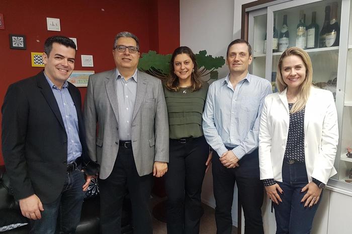 Andre Portes Caldini Berberi, Jonel Chede Filho, Gislaine Queiroz Deger, Paulo Peretti Iglesias, Larissa de Lima Remonato