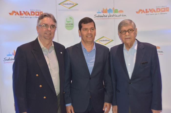 Roberto Duran (presidente da Salvador Destination), Claudio Tinoco (secretário municipal Cultura e Turismo) e Paulo Gaudenzi (vice presidente da Salvador Destination)