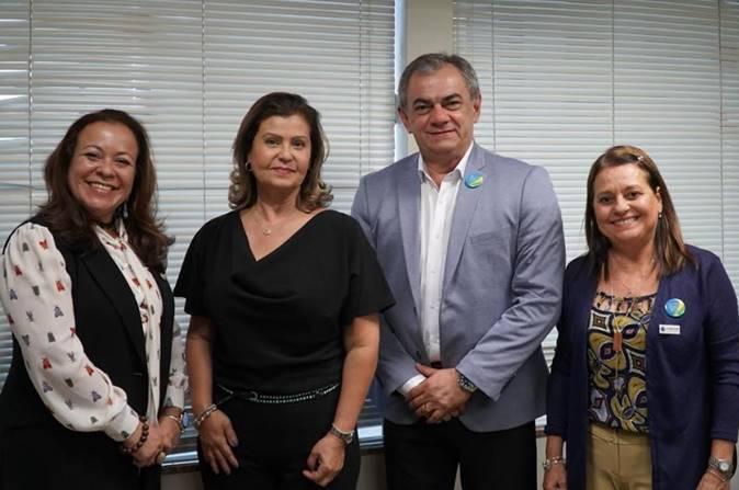 arta Freitas, da ANBTR; presidente Teté Bezerra; José Neto e Fatima Barros também da Associação, em encontro no Instituto. (Foto: Pablo Peixoto/Embratur)