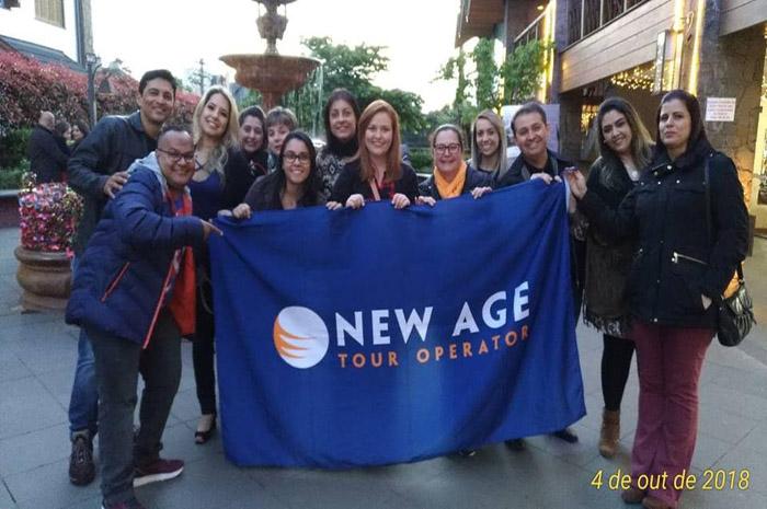 Agentes de viagens e representantes da New Age em Famtour