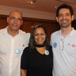 Fabiana Lima, da Bia Lima Turismo, com Roberto Paixão e Américo Samu, da Flytour