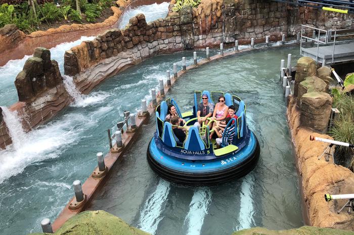 Infinity Falls se assemelha a experiência de um rafting (Foto: Igor Regis)