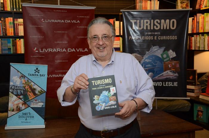 David Leslie Benveniste lançou o seu livro em São Paulo (FOTO: Eric Ribeiro)