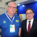 Roy Taylor, do M&E, e Manoel Linhares, presidente do ABIH Nacional