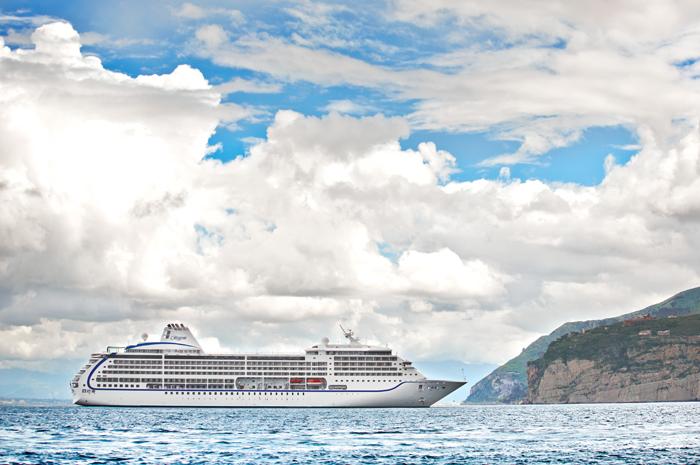 As viagens contam com vários portos e pernoites refletindo o aumento da demanda de turistas pela descoberta e exploração da ilha