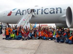 American leva 200 crianças para conhecer B777-300ER em Guarulhos
