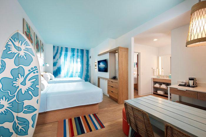 05_Universals-Endless-Summer-Resort-Surfside-Inn-and-Suites-Guest-Room-1170x731