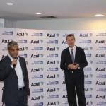 Abhi Shah, da Azul, e Christophe Didier, da Copa, durante anúncio
