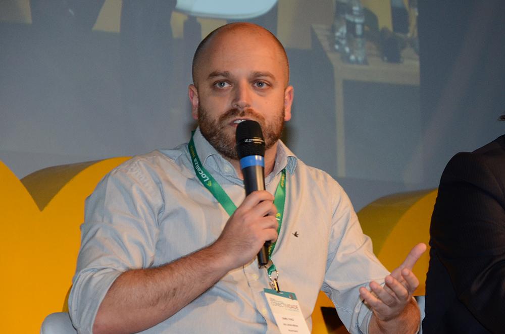 Daniel Tkacz, da Azul