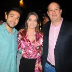 Diego Dantas, com sua esposa, Natalia Dantas, e Alexander Haim, da R11 Travel