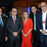 Eduardo Zorzanello, Marta e Marcus Rossi, do Festuris, com Vinicius Lummertz, Ministro do Turismo, e Victor Hugo, secretário de Turismo do RS