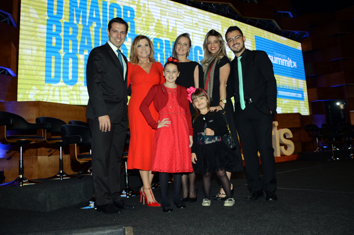 Família Rossi e Zorzanello durante a abertura do 30° Festuris
