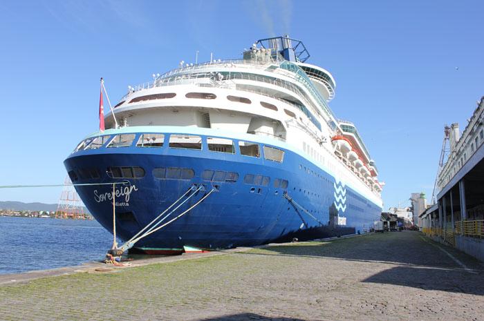 Navio Soberano vem ao Brasil com vendas exclusivas da CVC