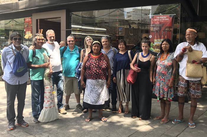 Líderes de tribos Krahôs se reuniram com representantes de operadoras em São Paulo