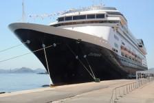 Coronavírus: Trump autoriza cruzeiro da Holland America a desembarcar na Flórida